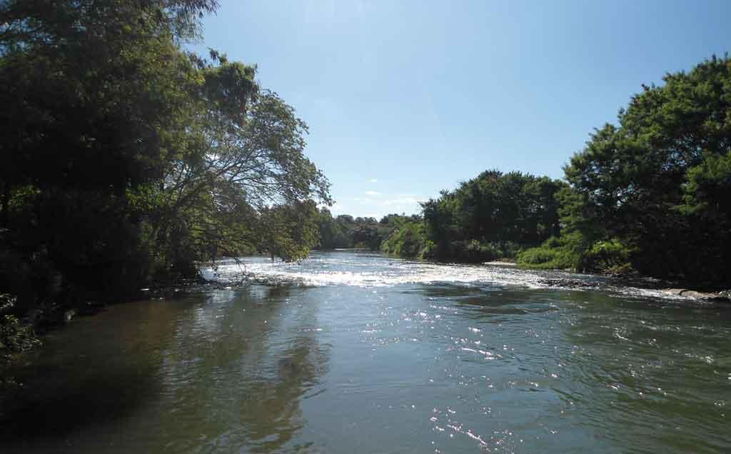 Rio Uberabinha, nem parece que estamos dentro da cidade...